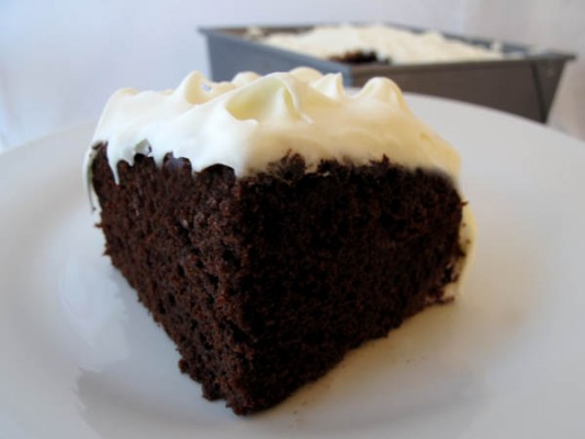 Old Fashioned Mayonnaise Cake With White Frosting